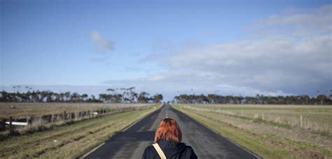 500 ft to miles 500 miles on foot through the australian winter