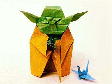 Origami Wars Yoda - this awesome origami yoda is just 7 centimeters yoyo