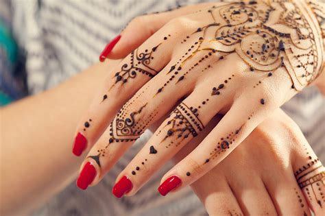 henna tattoos zum kleben anleitung henna selber machen inkl muster motive