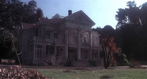 dunsmuir house a look back at the hungry haunted house of burnt offerings syfywire