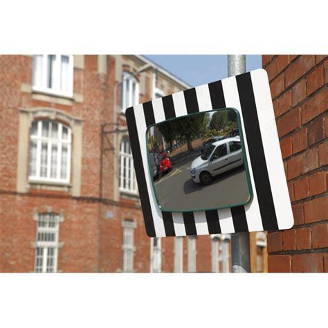 miroir sortie parking miroir sortie garage ou parking voie publique 60x45 cm mottez b319ppv norauto fr