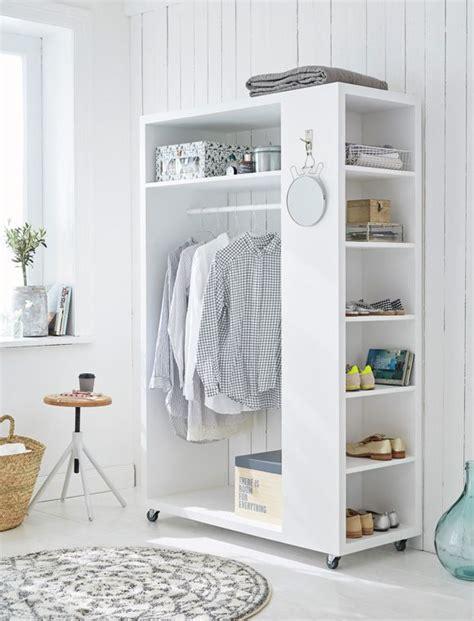 garderobe für schlafzimmer mobile garderobe aus wei 223 lackiertem holz mit sechs