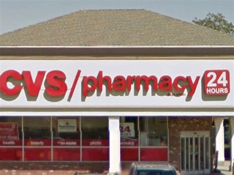 Cvs Garden City Ny by Charge Two With Year Cvs Robbery Spree Across