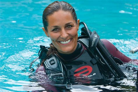 dive instructor why change from a padi divemaster to dive instructor