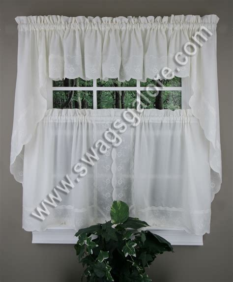 cafe tier curtains candlewick curtains white cafe tier curtains
