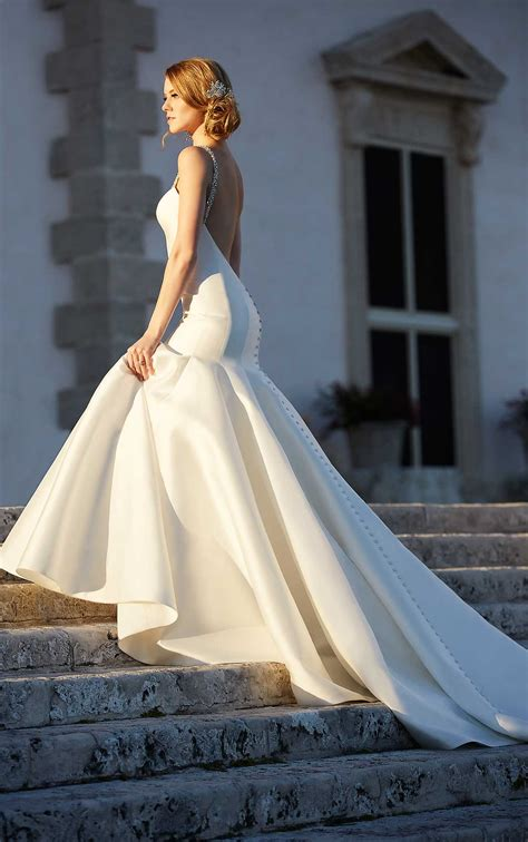 8 Beautiful Wedding Dresses For The Summer by Modern Fit And Flare Wedding Dresses Martina Liana
