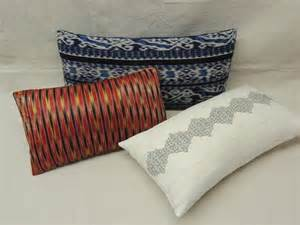 decorative lumbar pillows decorative bolster and lumbar pillows at 1stdibs