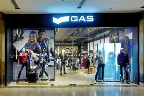 tattoo maker in ambience mall gurgaon gas stores outlets restaurants in ambience mall