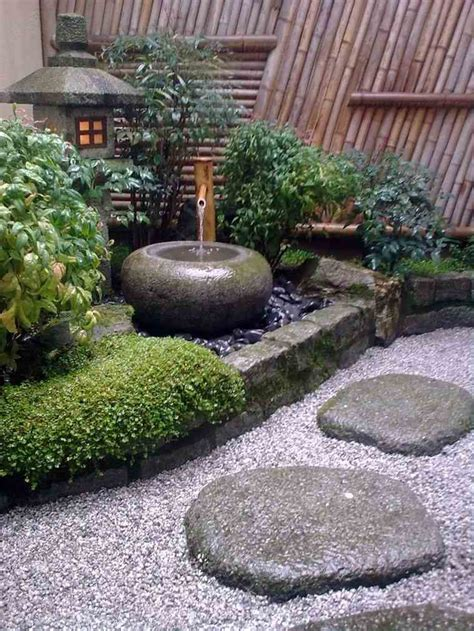Agréable Creer Un Jardin Mediterraneen #3: Deco-jardin-style-japonais-petit-espace-coin-rocaille.jpg