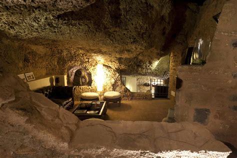 cave house   sicily island italy