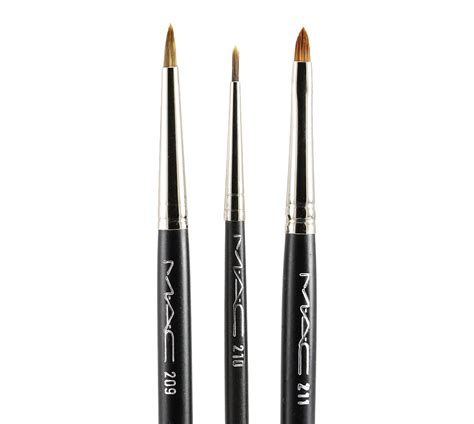 Eyeliner Brush the gallery for gt mac eyeliner brush