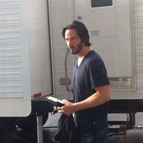 Keanu Reeves Hit Somebody With His Porsche by 25 Best Ideas About Keanu Reeves Syme On