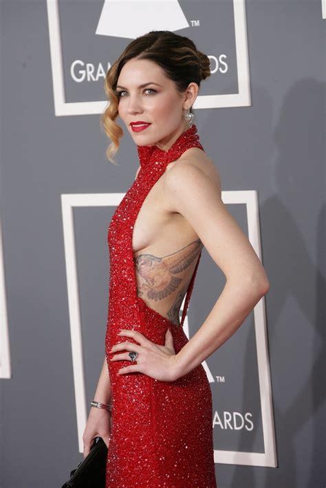 celebrity x error codes skylar grey grammys 2013 stars flouting grammy dress
