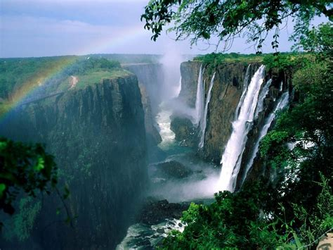 famous waterfalls in the world ten world s largest waterfalls amazing world