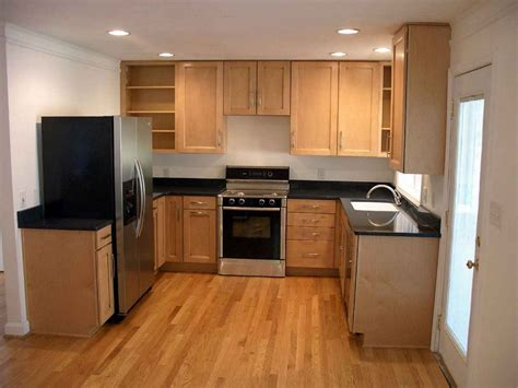kitchen cabinets from lowes kitchen expert tips choosing cheap kitchen cabinets