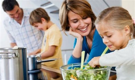 membuat anak senang cara membuat anak betah di rumah tips agar anak senang