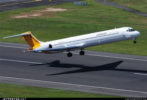 Airfast Md 82 1 400 pk oct mcdonnell douglas md 82 airfast indonesia