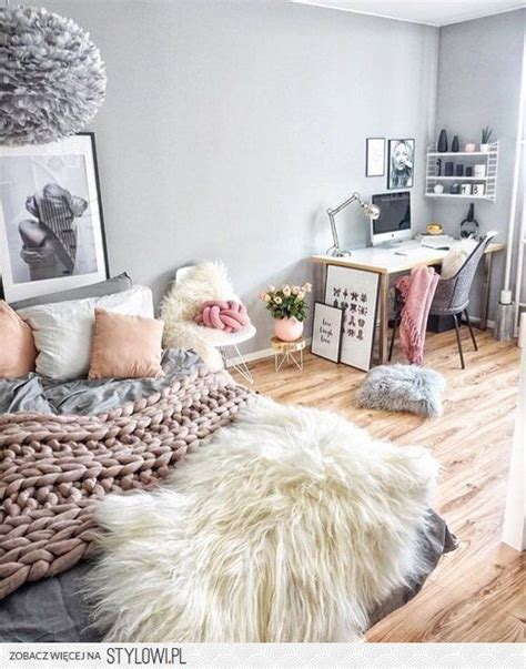 creating a cozy bedroom ideas inspiration best 25 college bedrooms ideas on pinterest college
