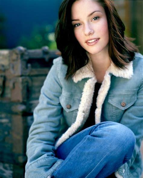 hollywood actress twitter chyler leigh women chyler leigh actresses twitter