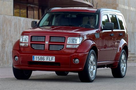 reviews on dodge nitro dodge nitro station wagon review 2007 2009 parkers
