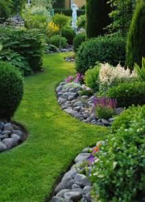 Rocks For Garden Borders 25 Best Ideas About Edging On Landscape Edging Rock Border And Rock Garden