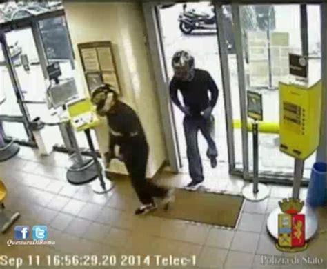 ufficio postale fiumicino ostia presi dalla polizia i rapinatori dell ufficio