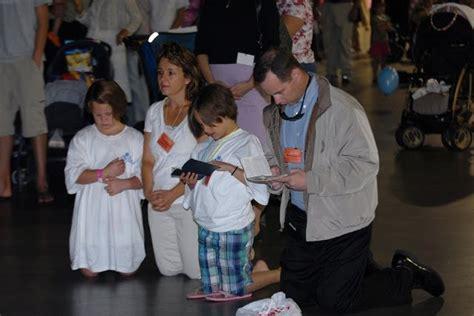 imagenes de la familia orando el clero oriental la familia que reza unida