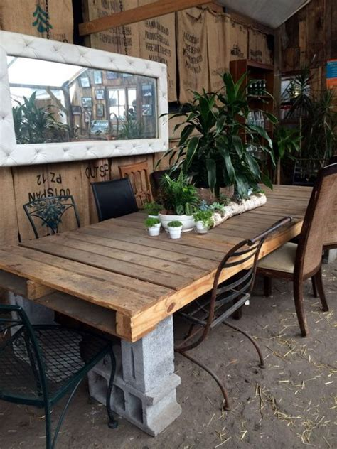 Cinder Block Desk by Outdoor Tables Shipping Pallets And Concrete Blocks On