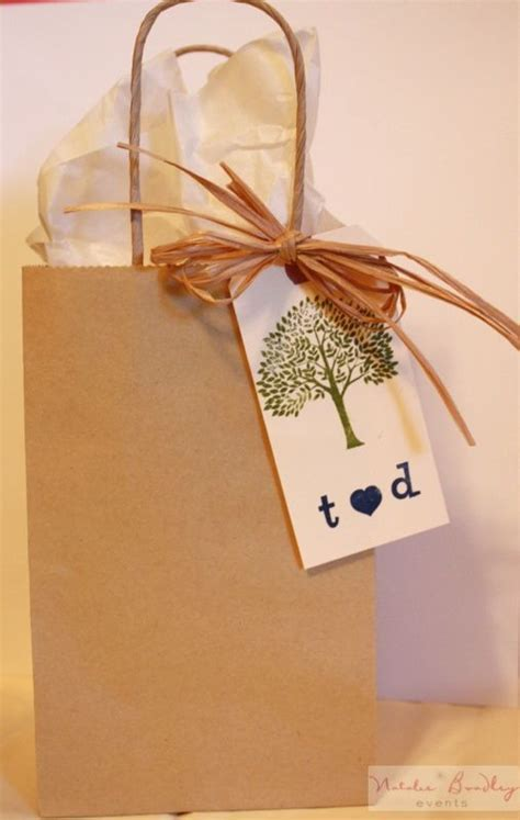 25  best ideas about Wedding hotel bags on Pinterest