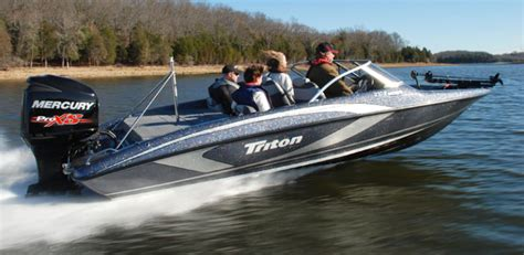 fish and ski boat weight research 2015 triton boats 210 escape on iboats