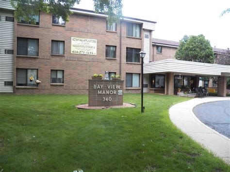 Low Income Housing Milwaukee Wi Bayview Manor Apartments In Milwaukee Wi Senior
