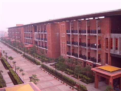 Amity Mba Quora by Is The Jaypee Institute Noida For Btech In