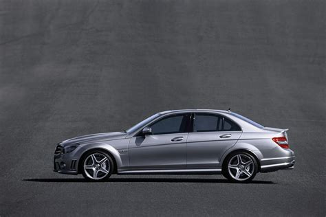 mercedes amg photos page 3 review specification price caradvice 2011 mercedes benz c63 amg photos price specifications