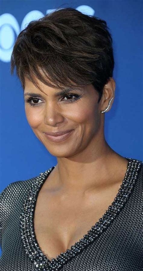 Halle Berry Hairstyles by 20 Best Halle Berry Pixie Cuts Hairstyles 2017