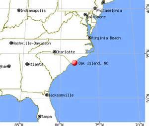 oak island carolina nc 28465 profile population