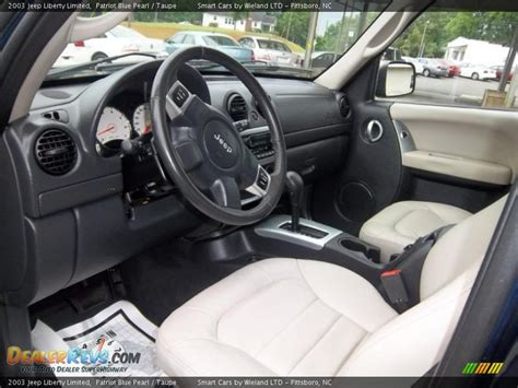 2003 Jeep Liberty Interior Taupe Interior 2003 Jeep Liberty Limited Photo 16