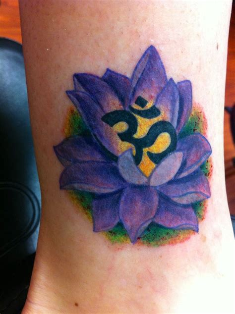lotus em tattoo om lotus tattoo tattoo pinterest