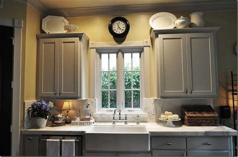 Yellow Walls Grey Cabinets Grey Cabinets Yellow Walls Home Decor
