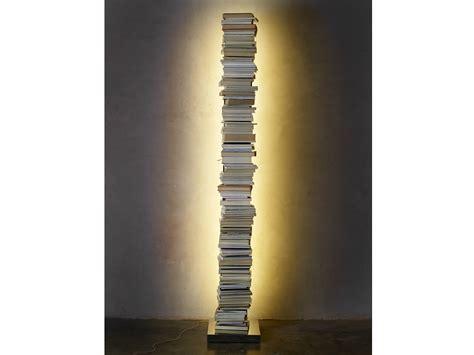 ptolomeo libreria libreria autoportante con illuminazione ptolomeo luce by