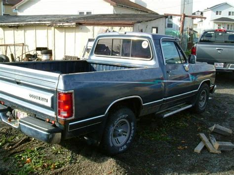 how to learn about cars 1993 dodge d150 club parental controls mercmaniac 1993 dodge d150 regular cabshort bed specs photos modification info at cardomain