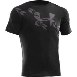 armour boys deer tracks t shirt black mills 17 best images about armour on fitness