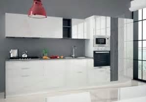 Beautiful Cucine Astra Prezzi #1: cucina-astra-cucine-combi-laccata-moderna-laccato-lucido-bianche_O1.jpg