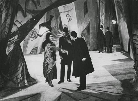Cabinet Docteur Caligari by Le Deblocnot Le Cabinet Du Docteur Caligari De Robert