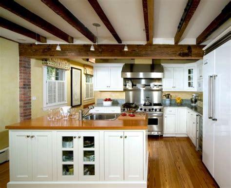 Preciosas cocinas rusticas con vigas de madera en el techo