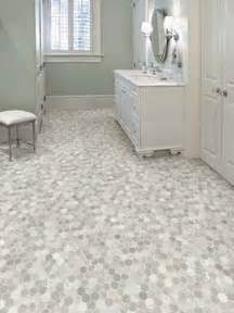 vinyl bathroom flooring ideas 25 best vinyl flooring ideas on pinterest