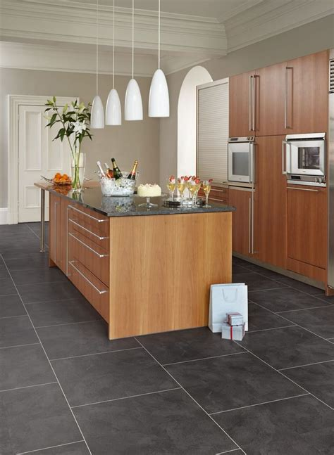 kitchen flooring ideas vinyl best 25 luxury vinyl tile ideas on vinyl
