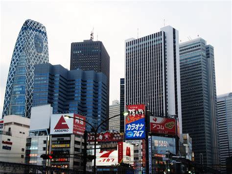 of tokyo creates complex architecture pelosi tokyo buildings