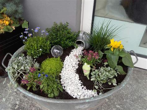Zinkwanne Gartendeko by Die 25 Besten Ideen Zu Zinkwanne Auf