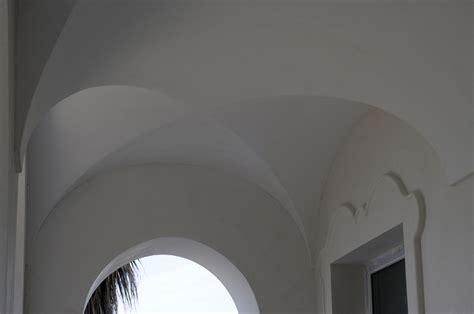 soffitti a botte soffitto volta a botte la grande sala con il soffitto a