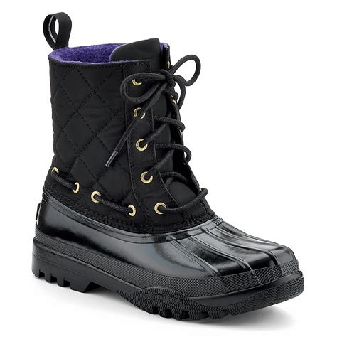 top snow boots for helen hearts must haves snow boots duck boots
